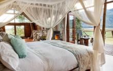 Lagoon Lodge - Inside room