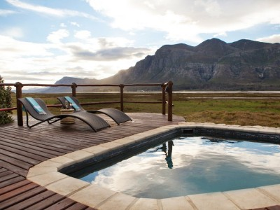 Heated Plunge Pool - perfect for a Sundowner Moment