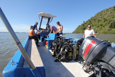 Heading out for some great diving at Sakatia.