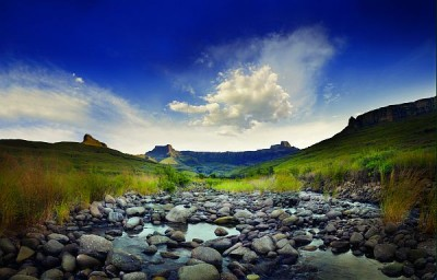 The breathtaking Drakensberg Mountains