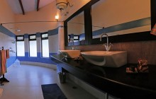 One of the suite bathrooms at Chambal Safari Lodge