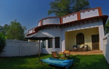 Imli Serai suite garden, Chambal Safari Lodge