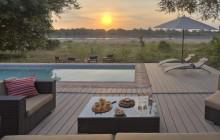The Crocs Nest private deck & pool, Flatdogs