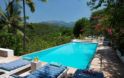 Swimming pool with a view at Ellerton