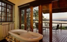 A bath with a view at Muchenje Safari Lodge!