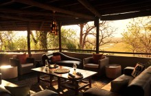 The guest lounge at Muchenje Safari Lodge
