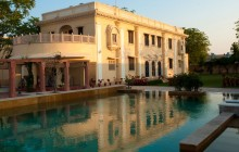 The lovey pool and grounds of the Royal Heritage Haveli