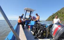 Dive boat, Sakatia Lodge