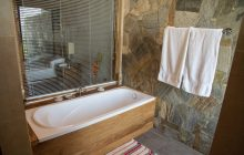 En-suite bathroom, Jim's Farm Villas